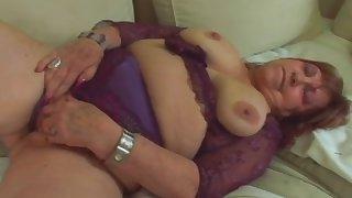 Fat granny Dominika takes long schlong in pussy