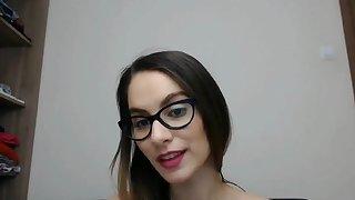 All natural goddess loves the taste of her pussy
