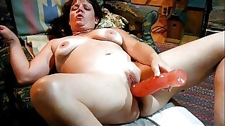 Emery's Huge Dildo makes her squirt