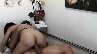 Dude's shlong receives pleasured to max during massage