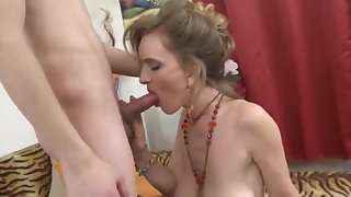 Happy junior boy fuck sexy milf with big saggy tits