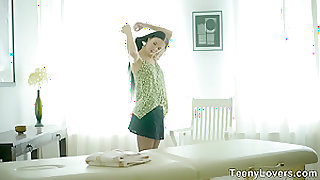 Teeny Lovers - Massage with something extra