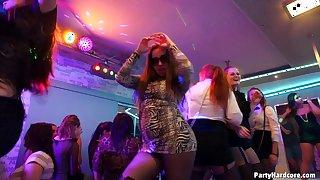Drunk chicks getting the nightclub penetration of their wild dreams