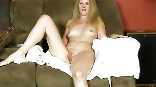 Mom opens her robe and shows her glorious body