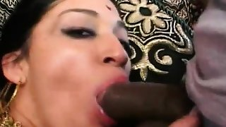 Kharti is the girl for your Indian pussy fantasies. She's a
