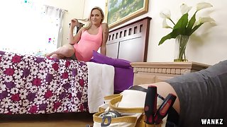 Emma Hix Sells Her Ass To Repairman