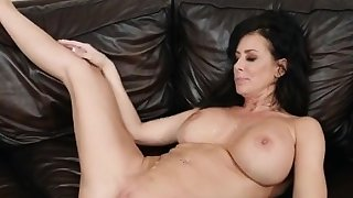 Mature Hottie Reagan Foxx Gets Humped And Creamed