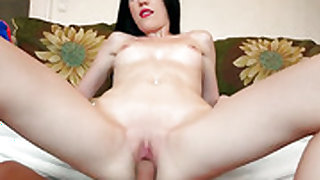 Mia Evans opens her fuck box to be pumped